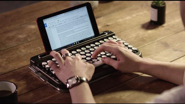 teclado que imita una máquina de escribir
