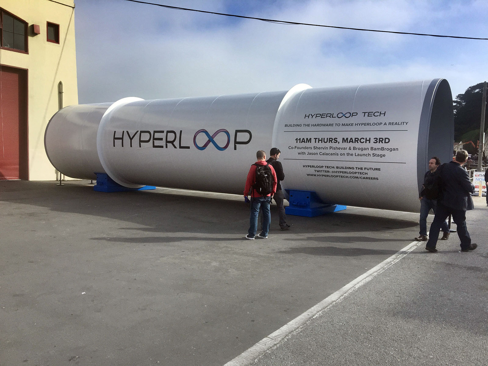 hyperloop-one-might-implode-after-co-founder-files-scandalous-lawsuit-109401_1 El Hyperloop One
